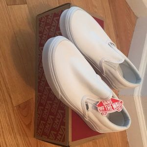 Vans slide on's classic white